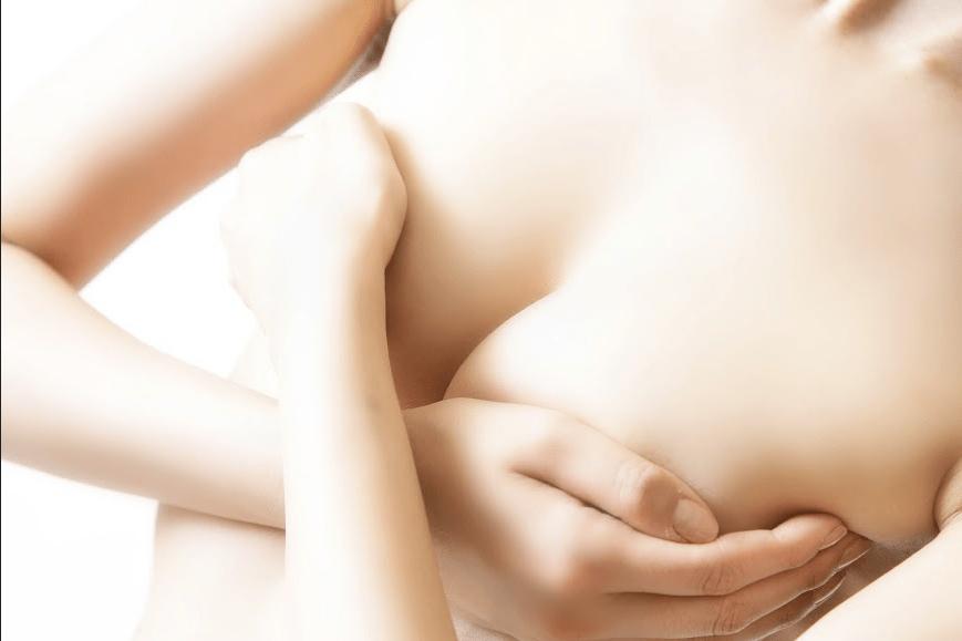 Sốc khi xem clip phẫu thuật nâng ngực chảy xệ